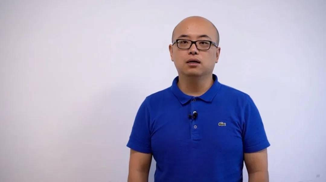 申通快递运维总监徐春辉发表主题演讲